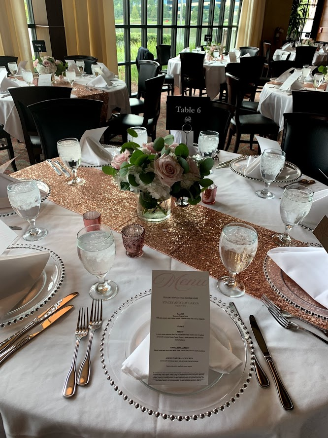 picture of Truluck's Woodlands private dining event with rose gold accents