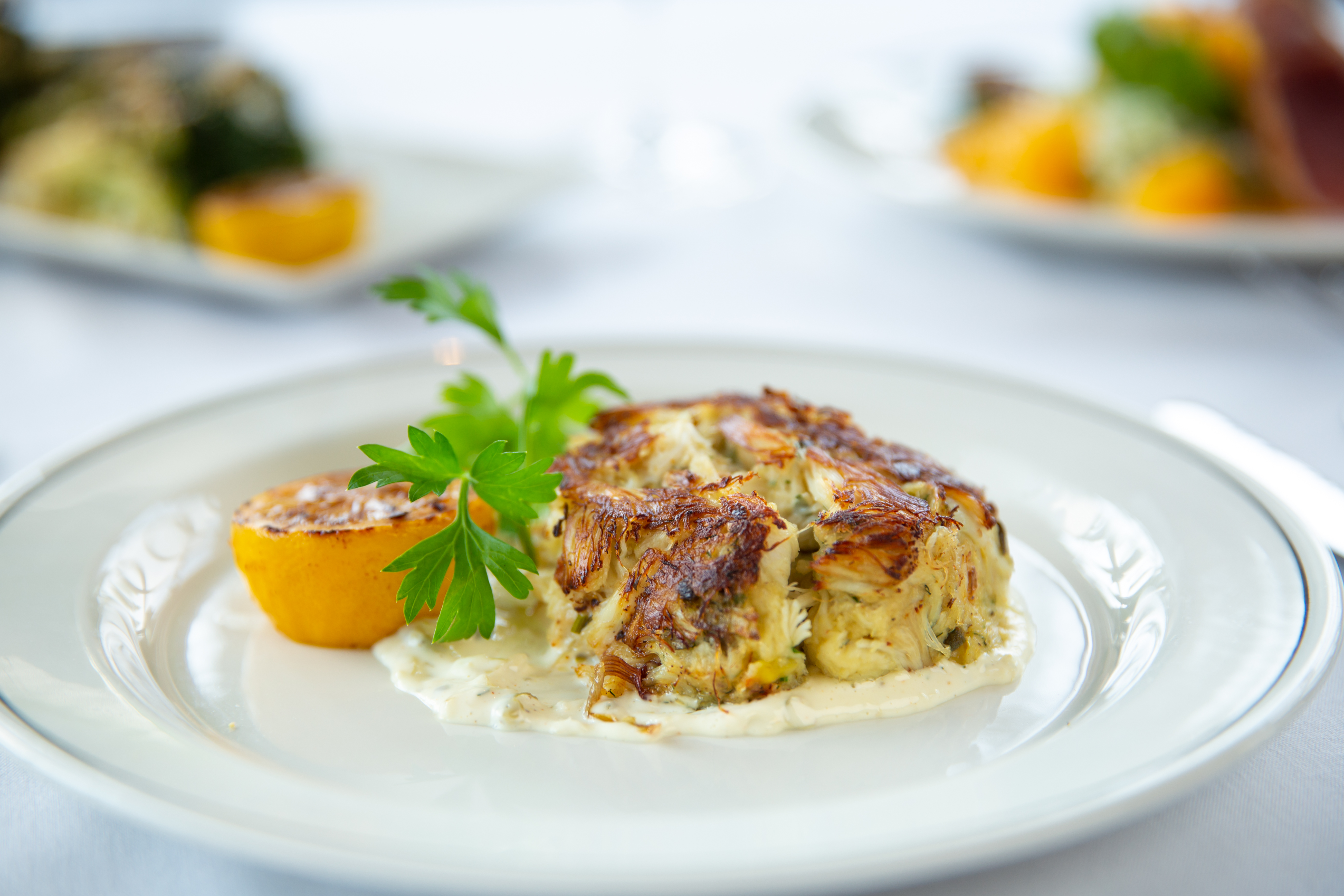 picture of JUMBO LUMP CRAB CAKE with dilled tartar sauce