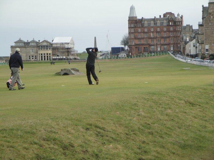 Yohan Vajifdar playing golf while going to school in Scotland