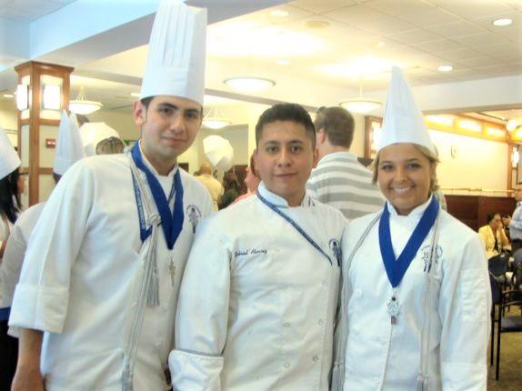picture of Chef Jose Orozco and classmates