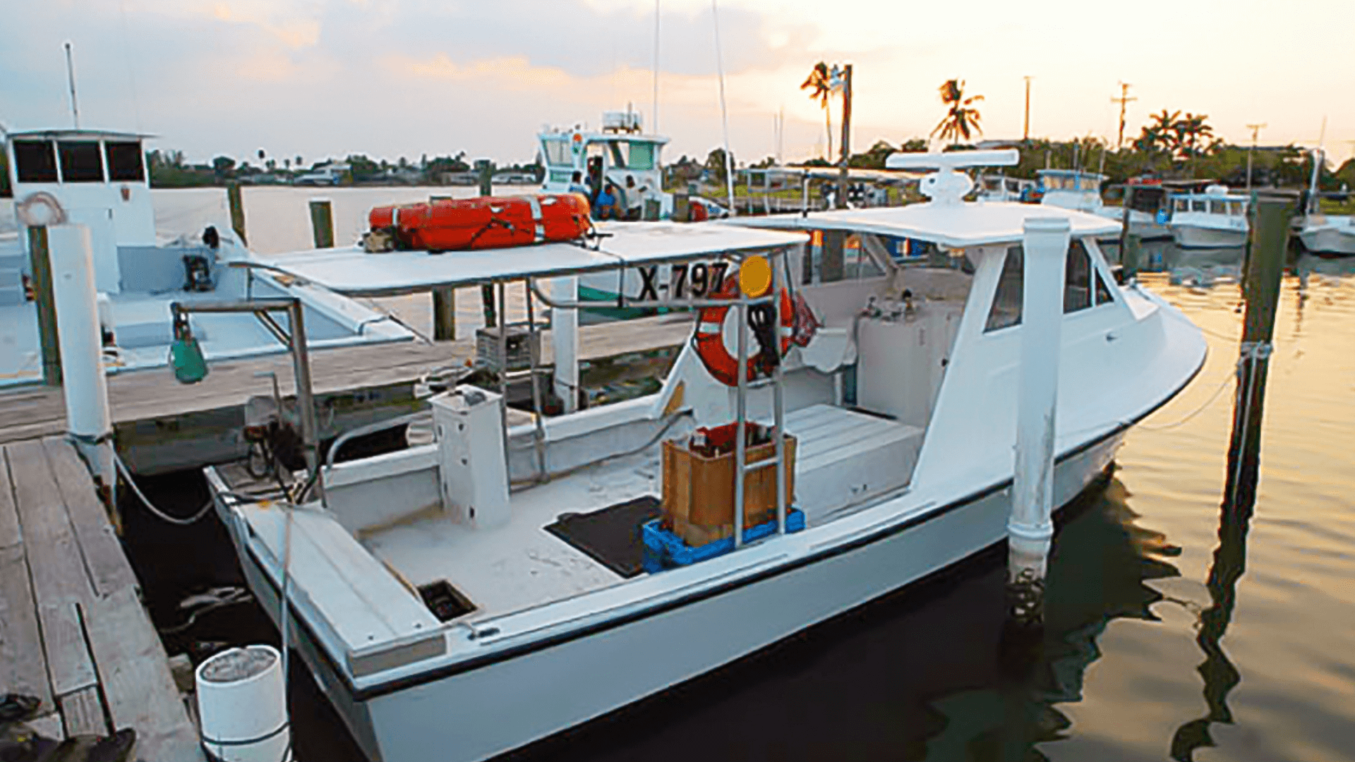 picture of stone crab fishing boat